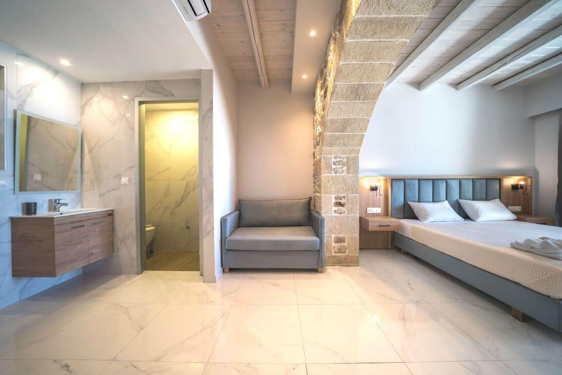 Villa Ariti bedroom & bathroom 3 - Villa Ariti Υπνοδωμάτιο & μπάνιο 3